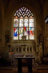 Eglise paroissiale de la Translation de Saint-Martin - Français:   Vitrail du chœur de l\'église de la Translation de Saint-Martin à La Chapelle-sur-Loire.