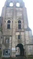 Ancienne abbaye bénédictine - Français:   vue du côté du cinéma