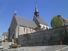 Eglise paroissiale Saint-Thibault - Français:   L\'église de Francueil.