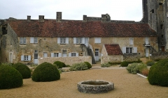 Château du Grand Pressigny - Français:   Vue des communs du château du Grand-Pressigny, Indre-et-Loire, Centre, France.