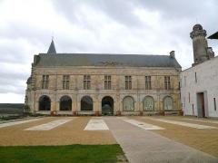 Château du Grand Pressigny - Français:   La galerie Renaissance et la cour d\'honneur du château du Grand-Pressigny, Indre-et-Loire, Centre, France.