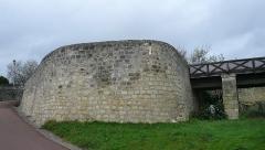 Château du Grand Pressigny - Français:   La barbacane défendant l\'entrée du château du Grand-Pressigny, Indre-et-Loire, Centre, France.