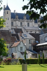 Château et son enceinte - This building is indexed in the Base Mérimée, a database of architectural heritage maintained by the French Ministry of Culture,under the reference PA00097821 .