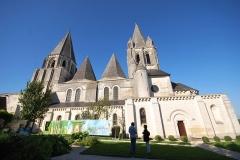 Ancienne collégiale Saint-Ours - Français:   Collégiale Saint-Ours de Loches vue de la cote