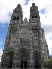 Cathédrale Saint-Gatien - Façade XIIe, XVe, XVIe siècle de la cathédrale Saint-Gatien de Tours