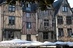 Maison - Français:   Maisons a colombage place plumereau
