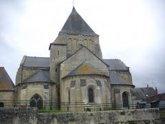 Eglise paroissiale Saint-Etienne - Français:   Église Saint-Étienne de Villandry (Indre-et-Loire), chevet vu des jardins du château