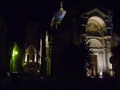 Basilique Saint-Martin - Français:   Basilique Saint-Martin de Tours, Indre-et-Loire. Vue générale de nuit.