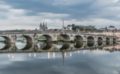 Pont sur la Loire - English: Bridge of Jacques-Gabriel in Blois, Loir-et-Cher, France