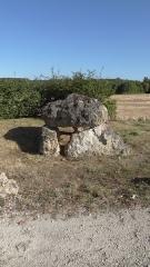 Dolmen de Langault - Français:   Dolmen de la Couture, Saint-Hilaire-la-Gravelle, Loir-et-Cher, France