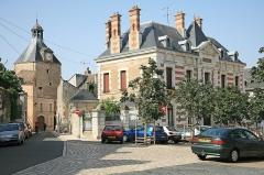 Tour dite de l'Horloge - Deutsch:   Beaugency  - Uhrenturm (Wehrturm). Beaugency ist eine Gemeinde in Frankreich im Département Loiret.