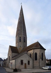 Eglise Notre-Dame - This building is indexed in the Base Mérimée, a database of architectural heritage maintained by the French Ministry of Culture,under the reference PA00098770 .