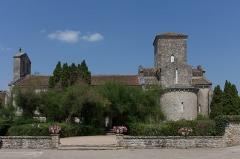 Eglise de la Très-Sainte-Trinité - Français:   Église de la Très-Sainte-Trinité ou Oratoire carolingien de Germigny-des-Prés: vue d\'ensemble.
