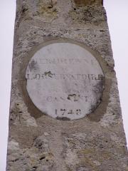 Obélisque astronomique, dit aussi Méridienne -  Détail du monument signalant le méridien de Paris à Manchecourt (Loiret) France