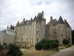 Château - Français:   Château de Meung-sur-Loire (Loiret, France), façade nord-est