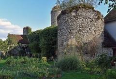 Ancien prieuré - Français:   Ancien prieuré à La Neuville-sur-Essonne, Loiret, France