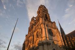 Cathédrale Sainte-Croix - English: Orléans Cathedral at dusk, 2016.