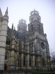 Cathédrale Sainte-Croix - Cathédrale Sainte-Croix d'Orléans (Loiret, France), flanc nord