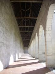 Ancien grand cimetière ou Campo Santo - Français:   Campo Santo d\'Orléans (Loiret, France), arcades orientales