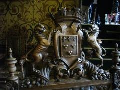 Hôtel Groslot, actuellement Hôtel de ville - Hôtel Groslot, à Orléans (Loiret, France): salle des mariages,  dessus de chaise