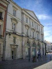 Maison - Français:   Maison, 15 place Sainte-Croix, Orléans (Loiret, France)