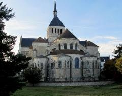 Eglise abbatiale Saint-Benoît - Français:   Abbaye de Saint-Benoit-sur-Loire, France