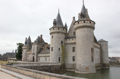 Château - This building is indexed in the Base Mérimée, a database of architectural heritage maintained by the French Ministry of Culture, under the reference PA00099024 .