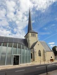 Eglise Saint-Germain - Français:   Église Saint-Germain de Sully-sur-Loire, Loiret, Centre, France
