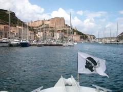 Citadelle - Français:   Citadelle vue du port, Bonifacio, Corse