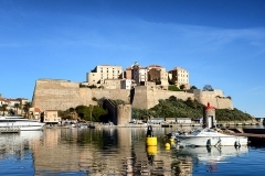 Remparts de la citadelle et Tour du Sel -  Calvi, Balagne (Corse) - La citadelle au matin du 01-01-2014