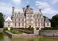 Domaine de Beaumesnil (également sur commune de Gouttières) - Français:   Beaumesnil (Normandie, France). Le château.