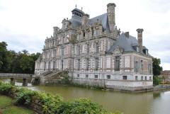 Domaine de Beaumesnil (également sur commune de Gouttières) - Français:   Chateau Louis XIII