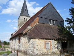 Eglise - English: The church Saint-Aubin in Boisney was built in the 12th century, it is classified as Monument historique. Boisney is a town in Eure in the Haute-Normandie in France.