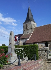 Eglise - English: Church Saint-Aubin and war memorial in Boisney, departement Eure, Normandie, France