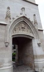 Tour de l'Horloge - Beffroi d'Évreux (Tour de l'Horloge). Armes de France, de Normandie et d'Évreux.