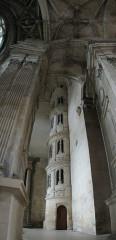 Eglise Saint-Gervais-Saint-Protais - Français:   Gisors - Collégiale Saint Gervais Saint Protais: escalier