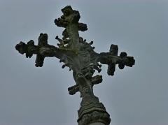 Croix -  Détail de la croix hosannière à Léry (Eure).