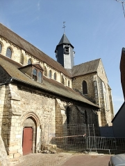 Eglise Saint-Aubin - This building is inscrit au titre des monuments historiques de la France. It is indexed in the base Mérimée, a database of architectural heritage maintained by the French Ministry of Culture,under the reference PA00099505 .