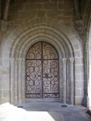 Eglise Saint-Barthélémy - Portail de l'église Saint-Barthélémy de Liginiac (Corrèze, France)
