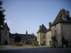 Eglise Saint-Barthélémy - Français:   Bastide (actuelle mairie) et église Saint-Barthélémy de Liginiac (Corrèze, France)
