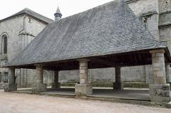 Halle - Deutsch: Markthalle in Meymac im Département Corrèze (Nouvelle-Aquitaine/Frankreich), aus dem 16. Jahrhundert