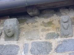 Eglise Notre-Dame de l'Assomption - Français:   Église Notre-Dame-de-l\'Assomption de Sainte-Marie-Lapanouze (Corrèze, France); modillons