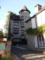 Maison des Appeaux - This building is indexed in the Base Mérimée, a database of architectural heritage maintained by the French Ministry of Culture, under the reference PA00099891 .