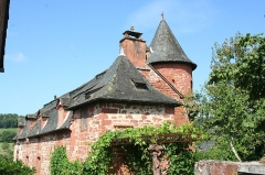 Château de Benge - This building is indexed in the Base Mérimée, a database of architectural heritage maintained by the French Ministry of Culture, under the reference PA00099964 .