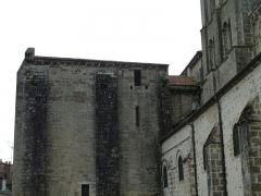 Eglise Sainte-Valérie - English: Chambon-sur-Voueize. Sainte Valérie abbey church. South side.
