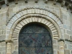 Eglise Sainte-Valérie - English: Chambon-sur-Voueize. Sainte Valérie abbey church. Main apse window.