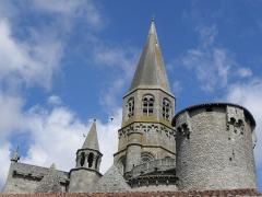 Eglise Saint-Pierre-ès-Liens - Français:   Chevet de la collégiale Saint-Pierre du Dorat (87).