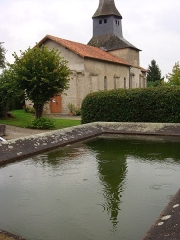 Eglise Saint-Georges - This building is indexed in the Base Mérimée, a database of architectural heritage maintained by the French Ministry of Culture, under the reference PA00100432 .
