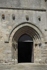 Eglise Saint-Gentien - Deutsch: Katholische Kirche Saint-Gentien in Saint-Gence im Département Haute-Vienne (Nouvelle-Aquitaine/Frankreich), Portal