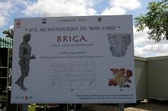 Vestiges archéologiques gallo-romains du lieudit Bois-l'Abbé - Français:   Panneau de signalisation du site du Bois l\'Abbée